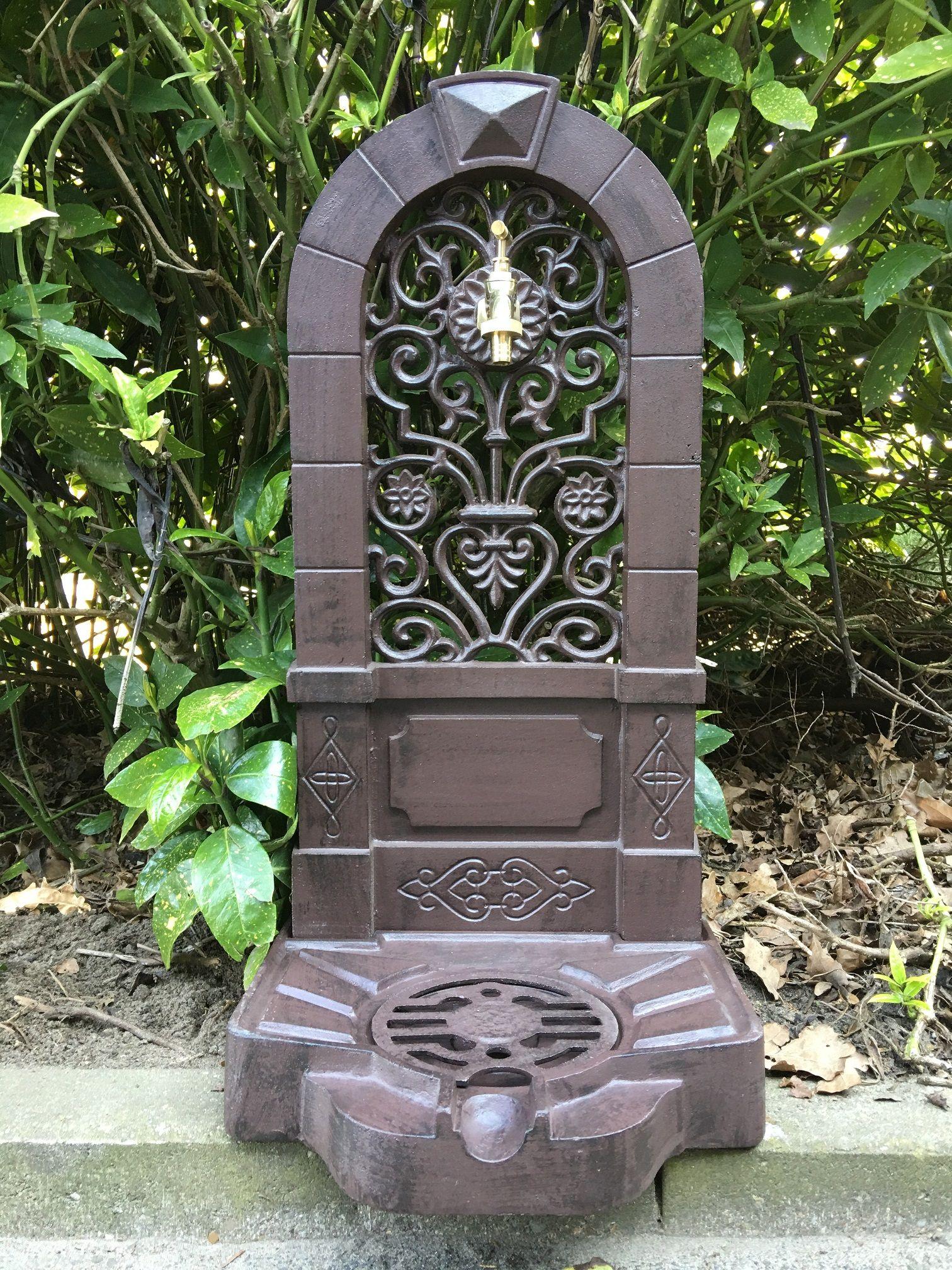 Tuin Ornament Fontein.Tags Tuin Fonteinen Muur Fonteinen Rond De Eeuwwisseling In Landelijke Stijl Art Nouveau Water Water Dispenser Kraan Fontein Kraan